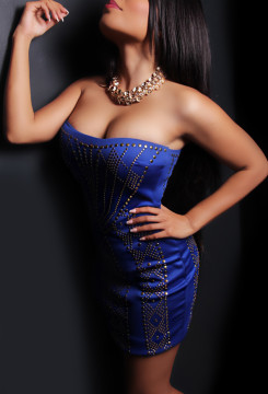 Toronto escort Arabella Exotic Petite Disability-friendly Asian Brunette Young Mature Non-smoking