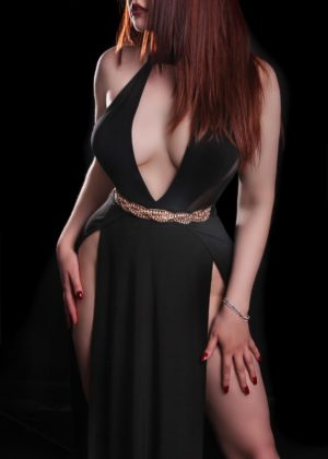 Toronto escort Arielle New Photos Non-smoking Young Redhead European Duo Couple-friendly Disability-friendly
