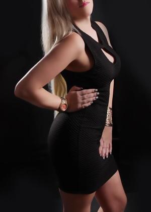 Toronto escort Hope Petite Disability-friendly European Blonde Mature Non-smoking