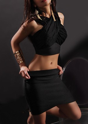 Toronto escort Isys Duo Couple-friendly Disability-friendly Petite Exotic Young Brunette Asian Non-smoking