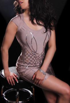 Toronto escort Misha Exotic Petite Asian Brunette Non-smoking Mature New Photos