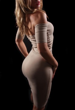 Toronto escort Hillary Couple-friendly Disability-friendly Duo European Young Blonde Non-smoking