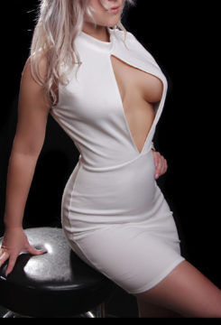 Toronto escort Claire Returning Non-smoking Young Blonde European Petite Duo Couple-friendly
