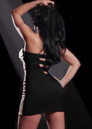 Toronto escort Marilyn Returning Non-smoking Mature Brunette European Duo Couple-friendly