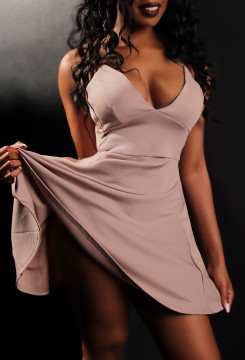 Toronto escort Lacey Non-smoking Young Brunette Exotic Duo Disability-friendly