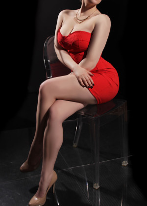 Toronto escort Willow New Photos New Young Brunette Petite Duo Couple-friendly Disability-friendly