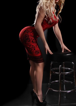 Toronto escort Summer Mature Blonde European Duo Disability-friendly