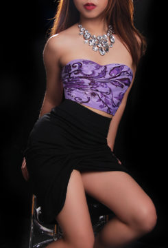 Toronto escort Giselle Non-smoking Young Brunette Asian Exotic Petite Duo Couple-friendly Disability-friendly