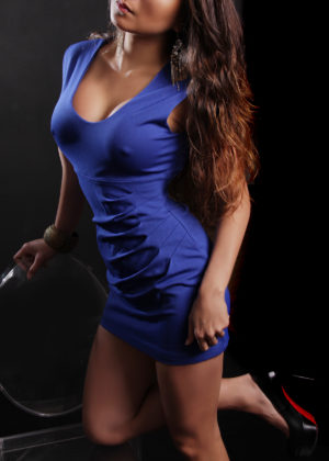 Toronto escort Tia New Photos Mature Brunette Asian Exotic Petite