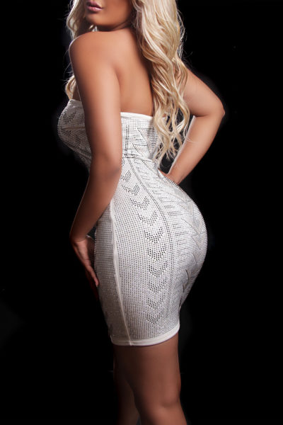 Toronto escort Vivienne Non-smoking Young Blonde European Duo Couple-friendly
