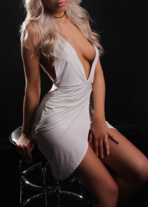 Toronto escort Natasha New Photos Non-smoking Young Blonde European Petite Disability-friendly