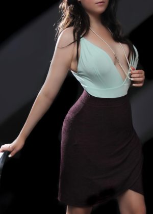 Toronto escort Ainsley New Photos New Non-smoking Young Brunette European Duo Couple-friendly Disability-friendly