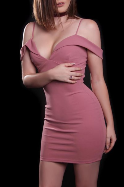 Toronto escort Daphne New Photos Non-smoking Mature Redhead European Petite